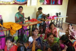 Une école à Bodh Gaya : l'atelier de couture