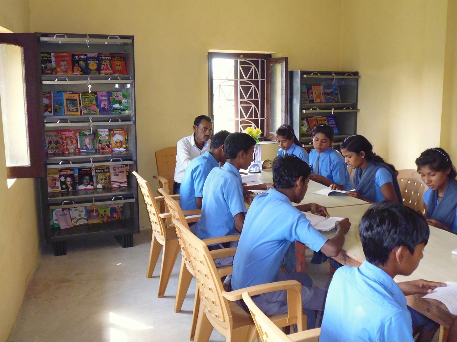 Une école à Bodh Gaya 2018 - bibliothèque